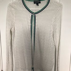 Cute, casual sweater perfect for work!